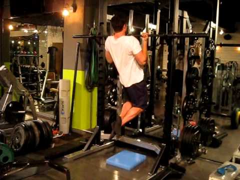 Kneeling Chin-Ups Are Challenging, Strength-Building Exercises That Reinforce Good Form