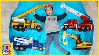 Wheels on the bus Nursery Rhyme song for kids Let's learn name of bruder construck toy  [JJ tube]