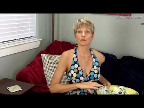 Video Best Clutter Free Souvenirs to Buy on Vacation! | Clutter Video Tip