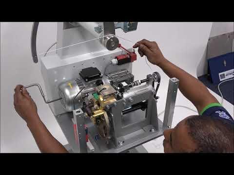 AXRO FQC2: Elastikband kan inte matas in i maskin.
