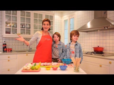 Watch videoBrochetas de Pollo con Salsa de Miel