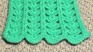 Смотреть онлайн Вязание спицами ажурного узора с сердечками