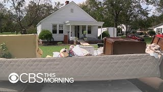 N.C. residents return to homes destroyed by floodwaters, sewage - Video Youtube