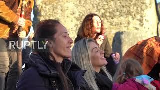 UK: Sun worshippers celebrate summer solstice at Stonehenge