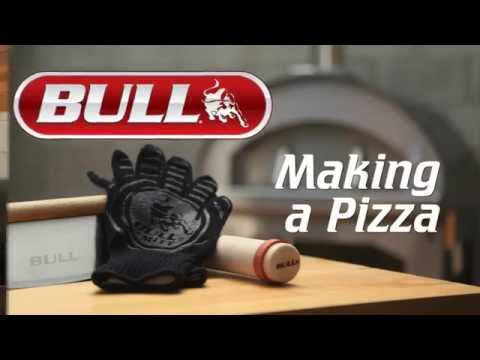 Bull Pizza Oven - Making a Pizza