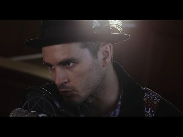 Michael Malarkey (Featuring Jon Boden) – Scars