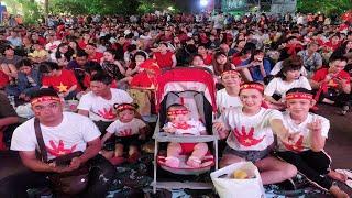 AFF 2018 Màn Hát Quốc Ca đầy Cảm Xúc ở Phố đi Bộ Nguyễn Huệ Trận Việt Nam Và Philippines