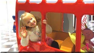 Колеса у автобуса крутятся - детская песня