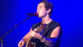 Austin Mahone - The one I've waited for  (front row)