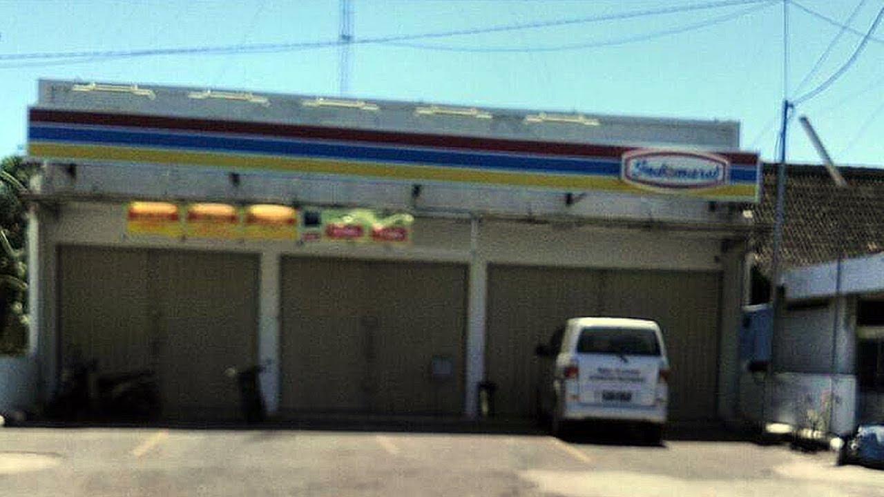 Warga dan Kepala Desa Tutup Paksa Minimarket yang Tak Mau Pasang Bendera Merah Putih