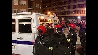 Потасовка фанатов Спартака и Атлетика перед матчем в Бильбао! Рэпер ST задержан полицией!
