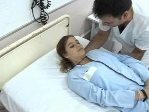 08 Movilización del paciente hacia el borde de cama sin entremetida con 1 aux