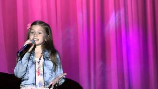 Марьяна Мостовяк в 6 лет с песней  А знаешь все еще будет