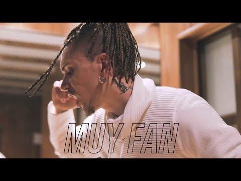 Videoclip de Blake - Muy fan