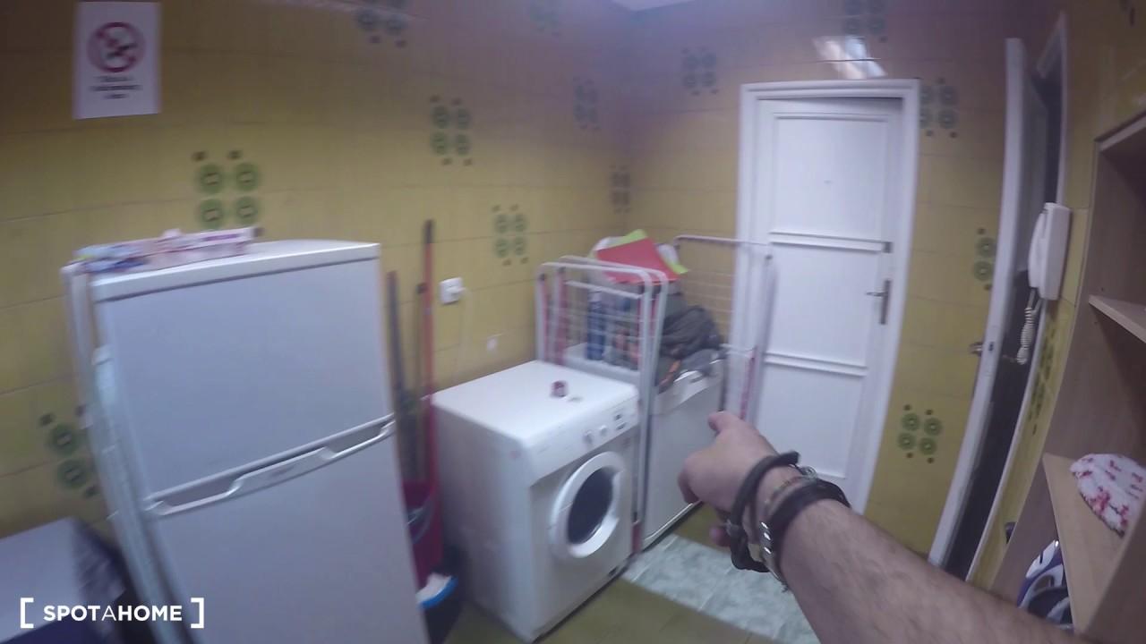 Single Bed in Rooms for rent in 7-bedroom apartment in Ventura Rodríguez