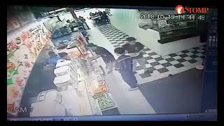 20180521_Stomp_Man pockets wallet containing $300 at Jurong West food court