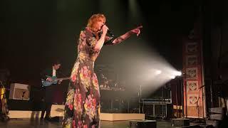 Kadr z teledysku Patricia tekst piosenki Florence And The Machine