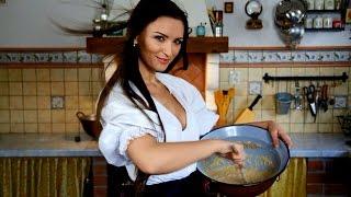 Táto krásna Slovenka vás za 1 minútu naučí uvariť bryndzové halušky