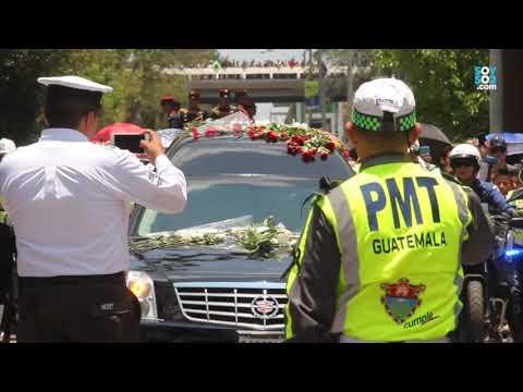 Así partió el cortejo fúnebre de Álvaro Arzú