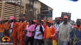 preview picture of video 'OGOU: Départ de la marche des ODDH/CAP2015 avec Brigitte ADJAMAGBO, Roger KEKEH et Thomas ATAKPAMEY'