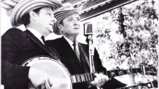 Stanley Brothers - Give Me the Roses While I Live