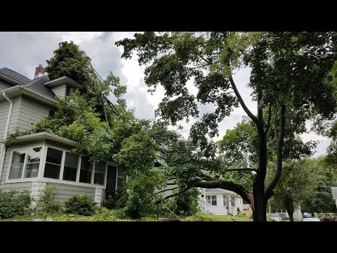 MidAmerican Energy updates after thousands lose power