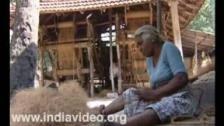 Muhamma village - shaping coir out of coconut fibres