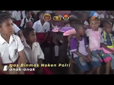 Polisi Pi Ajar di Sekolah Bertempat di SD N 5 Puay Kabupaten Jayapura