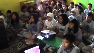 Video Riska Promo 1 Lagu Bebas Di SD Sukasari 5.MP4