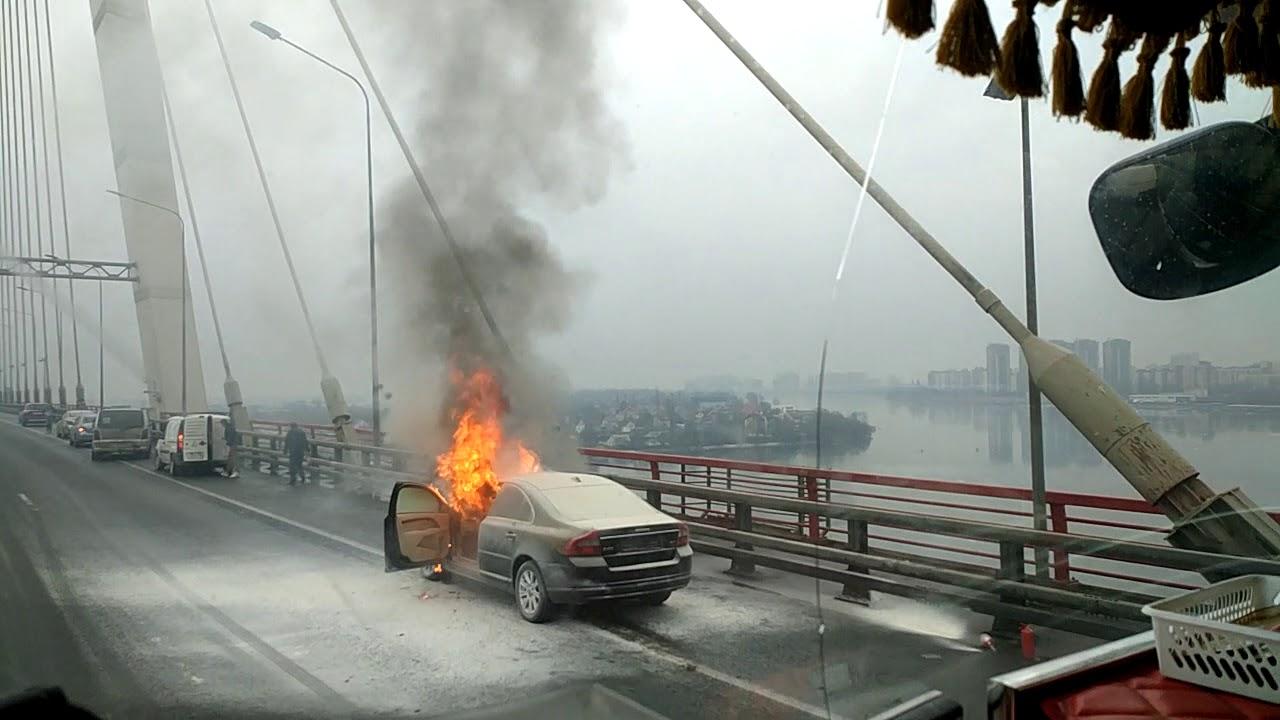 Пожар на мосту в Санкт- Петербурге