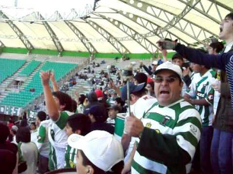 """""""TKO 3-0 vialina (celebración)"""" Barra: Los Devotos • Club: Deportes Temuco"""