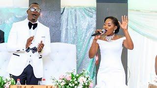Bride & Groom Singing Mwari Muri Zuva Redu