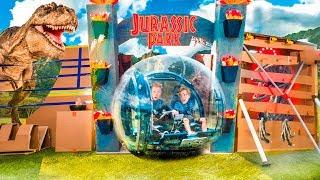 ESCAPE Box FORT Jurassic World! Real Life Dinosaurs