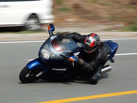 HONDA CBR1100XX Super BlackBird Cornering WINDING video
