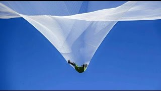 Gambar cover Heaven Sent: Skydiver Luke Aikins jumps 25000 feet without parachute
