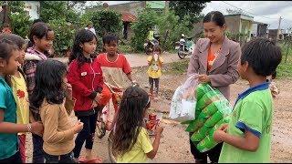 Thăm mấy bé trong làng Dân Tộc - Hương vị đồng quê - Bến Tre - Miền Tây