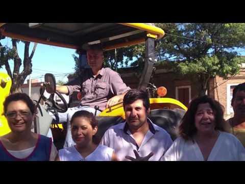 Nuevo Cargador Frontal adaptado a un tractor para la comuna de Lopez