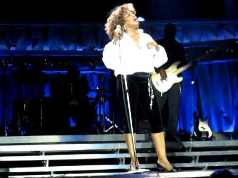 Tina Turner live in London final song Be tender with me baby may 2009