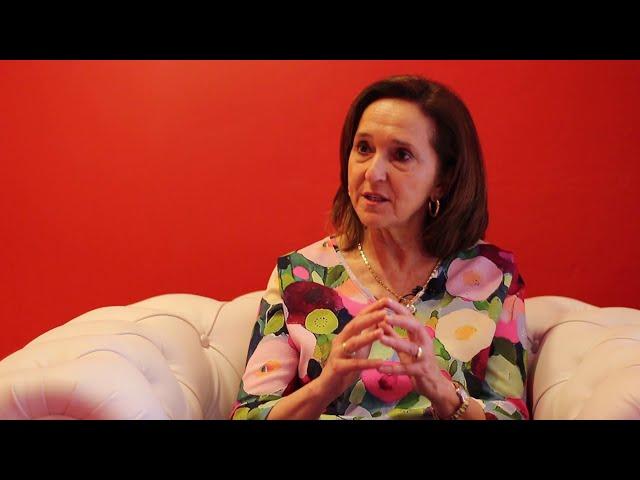 Dialogo entre ANA SANTOS ARAMBURO y ÁLVARO GIL ROBLES