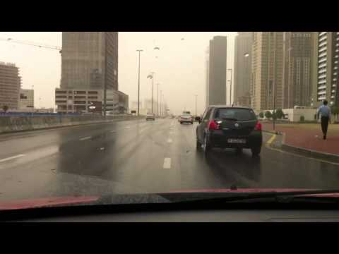 Rainy rainy day here in Dubai (видео)