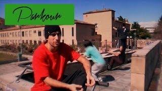 preview picture of video 'Reportaje Parkour: La ciudad, el mejor obstaculo (Granada)'