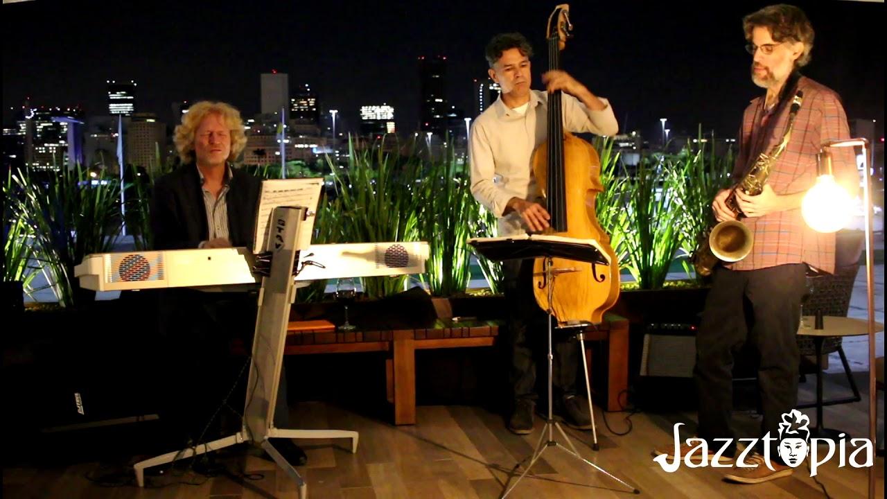 Jazz à luz da Lua com o visual da Baia de Guanabara