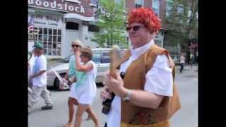 preview picture of video 'Woodstock Vt. Alumni Parade'