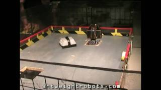 preview picture of video '20100502 Brentwood antweight Robot Wars Pt 1'