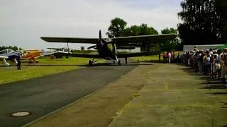 preview picture of video 'Militärflugplatz Großenhain DDR Antonov AN-2 Doppeldecker Rundflug'
