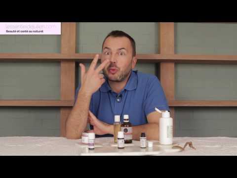 La cosmétologie le nettoyage de main de la personne