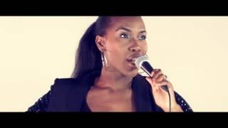 First Noel - Rachel Kerr (OFFICIAL VIDEO)