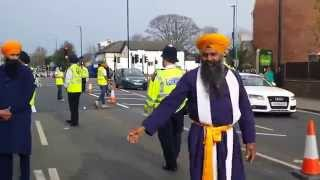 preview picture of video 'Palki Sahib Hounslow Nagarkirtan baisakhi 2014'