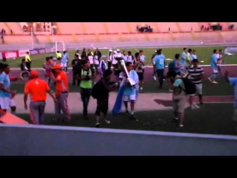 """Gvardia xtrema- Final Trujillo 2014"" Barra: Gvardia Xtrema • Club: Sporting Cristal"