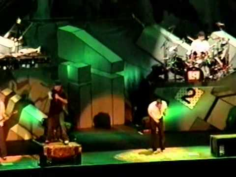 Linkin Park - Hit The Floor (State College, Projekt Revolution 2003)